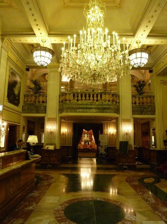 Hotel Imperial Vienna: Entrance Hall