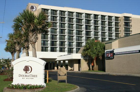 DoubleTree by Hilton Hotel Atlantic Beach Oceanfront: Hotel Exterior