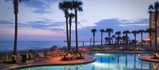 Grand Panama Beach Resort: Night view GP pool and gulf of Mexico.