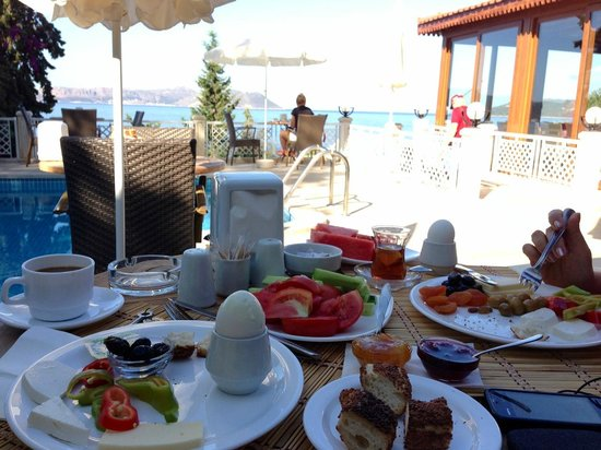 Medusa Hotel: Free breakfast everyday. And a great view in the background.