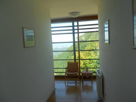 Hotel Celjska Koca : vista corridoio camere