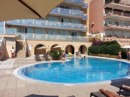 Catalonia Majorica Hotel: piscina del hotel