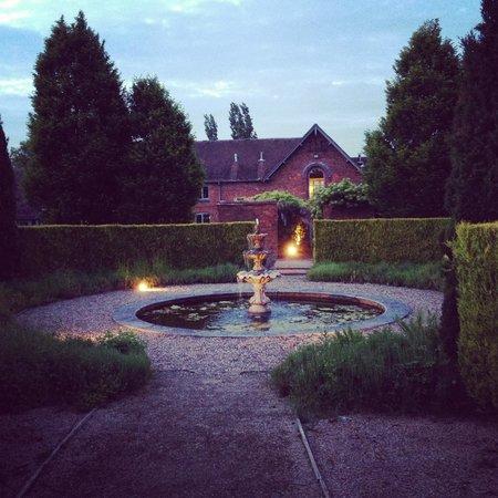 Newton House B&B: Garden View 2