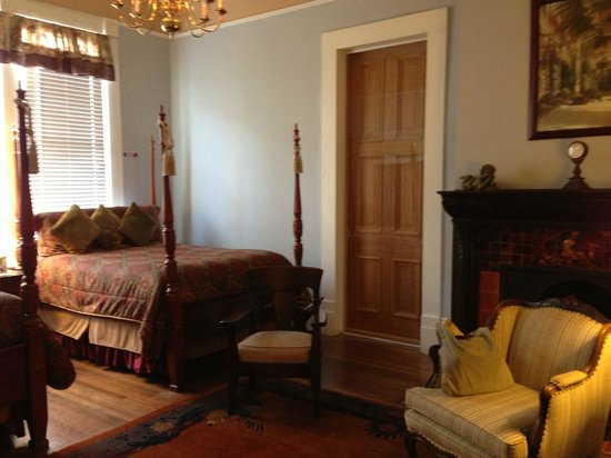 Avenue Inn Bed and Breakfast: cool and quiet