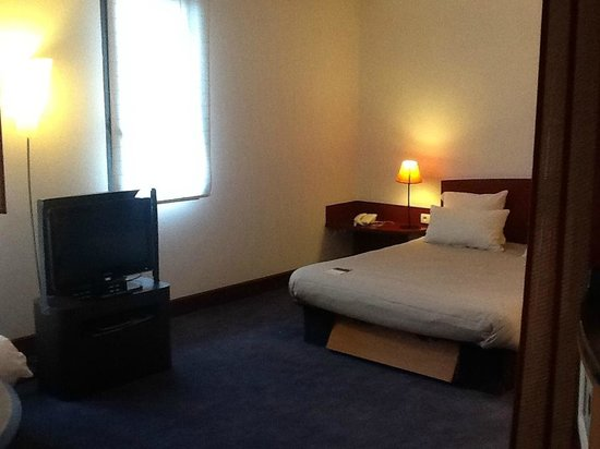 Novotel Suites Paris Porte de la Chapelle: coin nuit