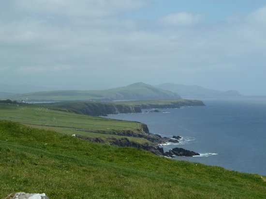 Castlewood House: Coastline along the Dingle peninsula
