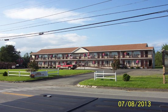 Bishops Country Inn Motel: Motel