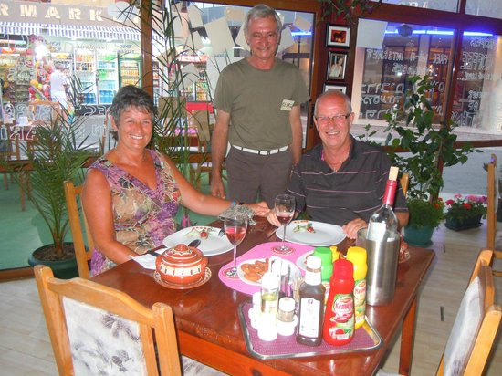 100% Family Restaurant: Us with the owner George and an excellent Bulgarian stew