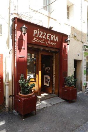 Pizzeria Sainte Anne: Ingresso