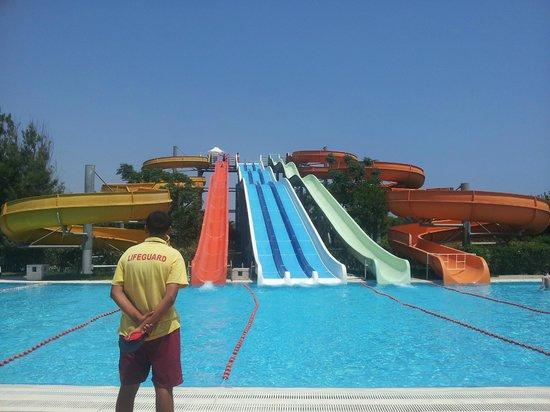 Kervansaray Hotel Kundu: The water slides :)