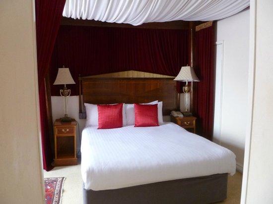 Bridge Hotel: Room 102