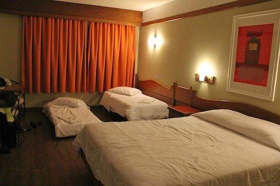 Hotel Continental Canela: quarto família