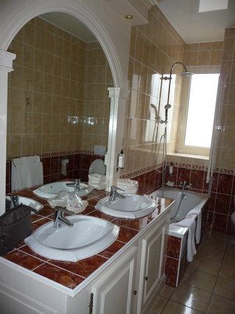BEST WESTERN Central Hotel: salle de bains