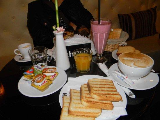 Unikat Guests Rooms : colazione