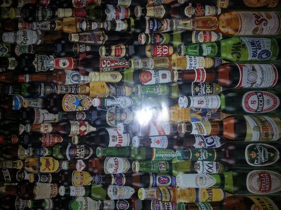 Tro's Pub: Poster