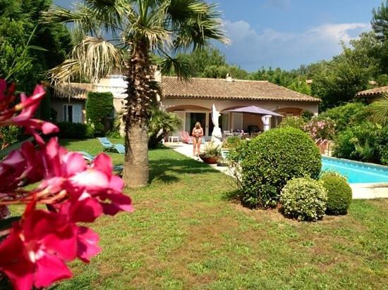 Chez Helene: garden