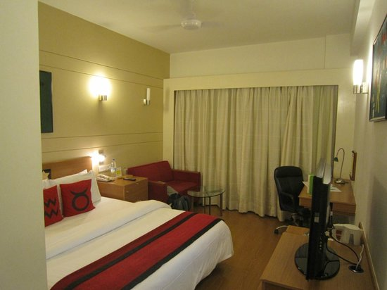Lemon Tree Hotel, Hinjawadi, Pune : Standard Single Room - always clean and tidy