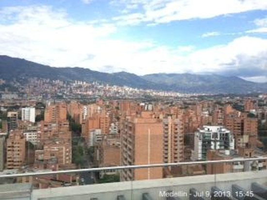 Inntu Hotel Medellin: view from the roof