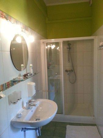 Camera Felice: Bathroom