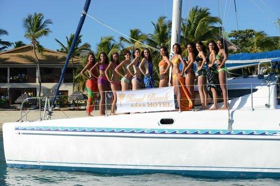 Miss Réunion 2017 Devant La Plage De Royal Beach Hotel Nosy Be