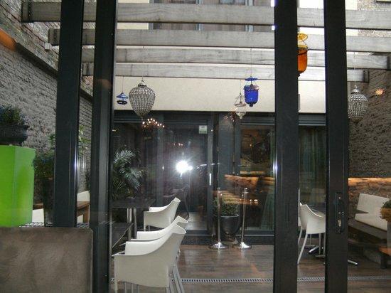 Hotel Diamonds And Pearls : ontbijtkamer