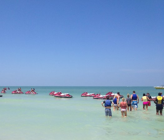 Marco Island Water Sports : Great place to depart!