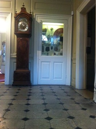 Hollytrees Museum: original floors from the 18th century