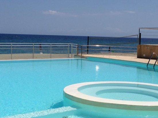 La Vallicella : la piscine ...
