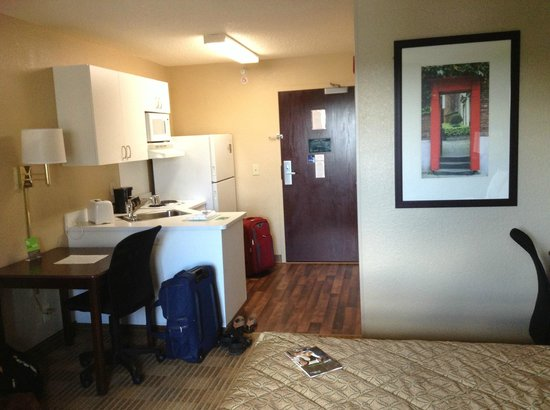 Extended Stay America - Pittsburgh - Monroeville: Kitchen view