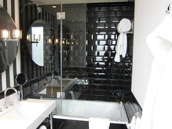 The Ampersand Hotel: bathroom interior 1