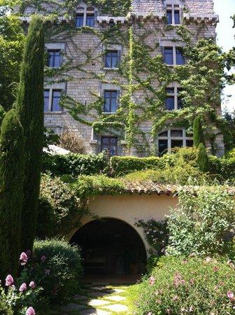 Chateau De Riell: The main building