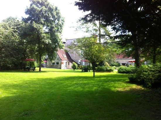 Le Moulin de la Follaine : Vue jardin