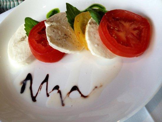 Gisella: Caprese salad