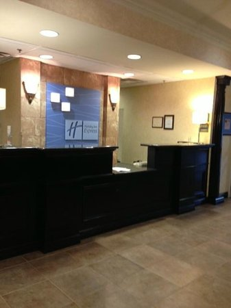 Holiday Inn Express Hotel & Suites Frankfort: Reception