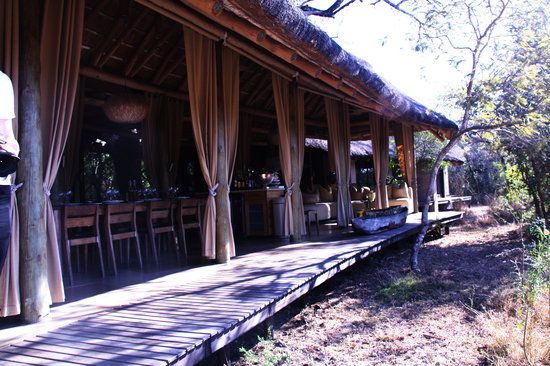 andBeyond Phinda Homestead: Amazing View of waterhole from dining area
