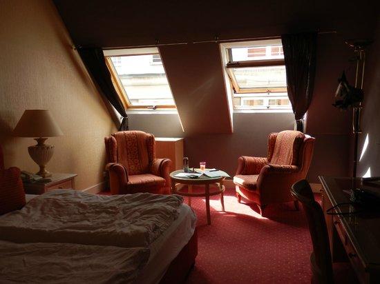 Friday Hotel Prague: Rum 313 som var väldigt ett väldigt varmt rum