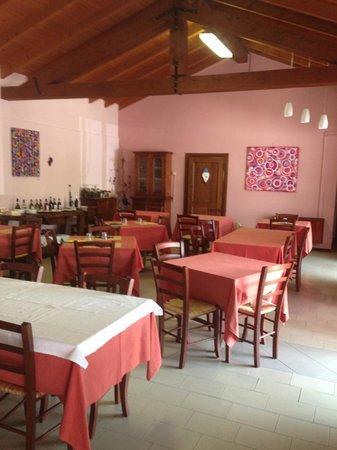 Colazza, Italia: Sala Interna Ristorante