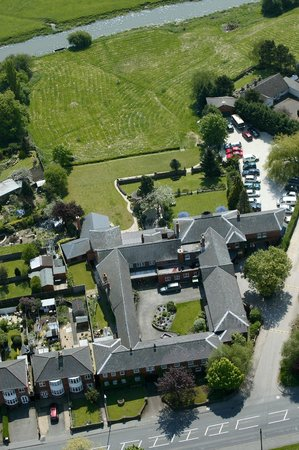 Best Western Sysonby Knoll Hotel: An aerial shot to show our location