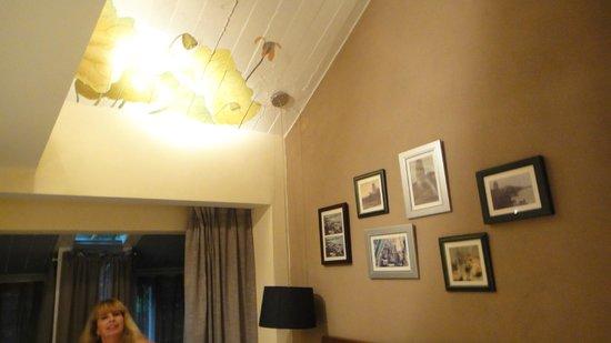 Lotus Glade Hotel 52 Villa: Decoração