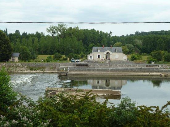 Le Moulin du Port: Vue sur le Cher depuis la chambre