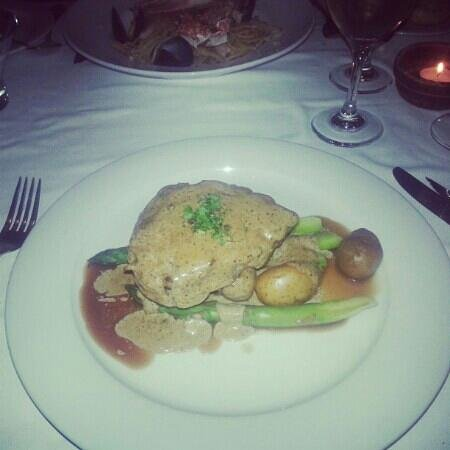 Ambrosia Restaurant: fillet Steak with Asparagus & new potatoes in Pepper Sauce... Amazing