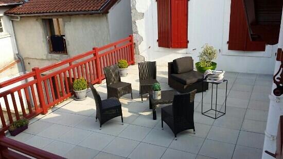terrasse sur lev e photo de argia hasparren tripadvisor. Black Bedroom Furniture Sets. Home Design Ideas