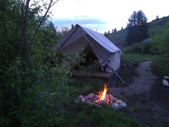 Moose Creek Ranch: Evening at the glamp