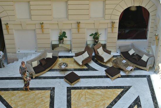 New York Palace Budapest: Sitzemöglichkeiten in der Lobby