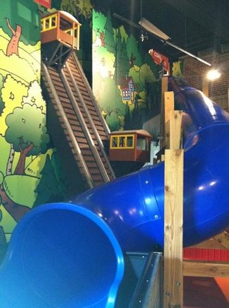 Heritage Discovery Center: slide