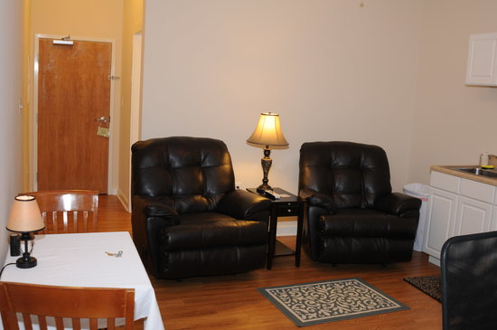 Acorn Hill Lodge and Spa: New Suite Living Area