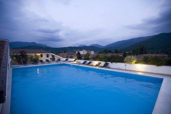 Piscina bild von regal hotel and apartments brescia - Piscina brescia viale piave ...