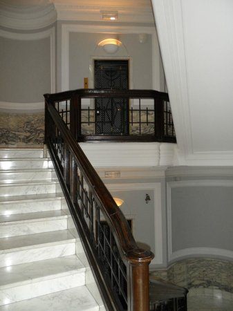 Best Western Hotel Astrid: Scale nell'antico palazzo che ospita l'hotel