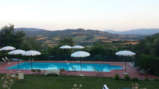 Hotel Terre di Casole: Piscina Hotel