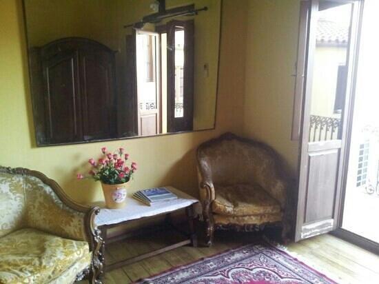 Casa Camboni : Il salottino privato della camera